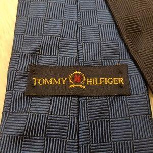 Tommy Hilfiger Blue Textured Silk Men's Tie (A204)